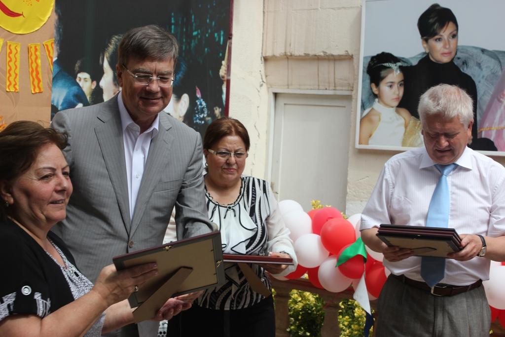 Российские дипломаты побывали в гостях у воспитанников детского дома Баку (фото)