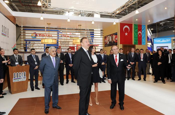 """Azərbaycan Prezidenti və xanımı beynəlxalq """"Xəzər Neft və Qaz 2013"""" sərgisində iştirak ediblər (FOTO)"""