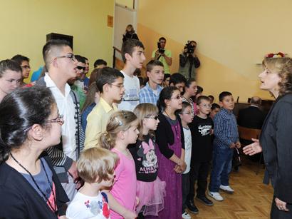 Лейла Алиева приняла участие в церемонии открытия центра для детей и молодежи с ограниченными возможностями зрения в Сараево (ФОТО)