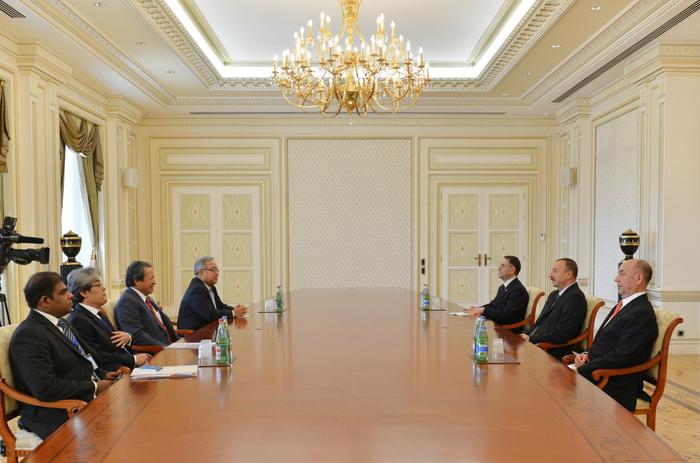 Президент Азербайджана принял министра иностранных дел Малайзии