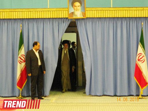 Верховный лидер Ирана проголосовал первым на выборах президента (ФОТО)