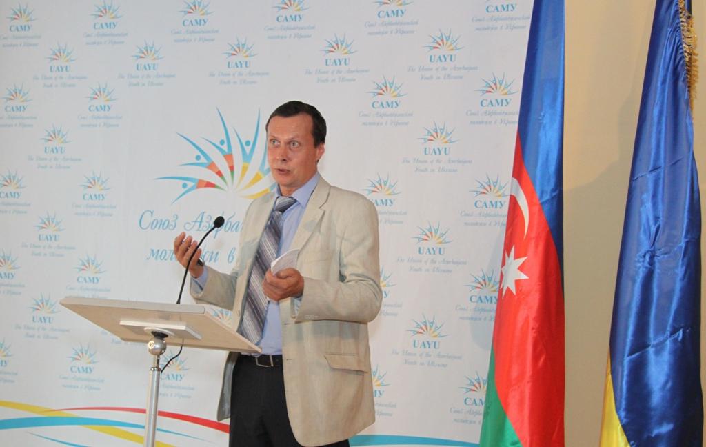 Национальное телевидение Украины сняло документальный фильм о Гейдаре Алиеве (ФОТО)