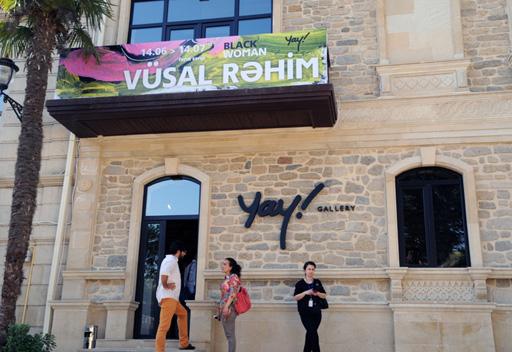 """В галерее """"YAY"""" открылась первая персональная выставка молодого художника Вюсала Рахима (ФОТО)"""