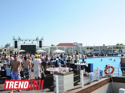 Грандиозное открытие пляжного комплекса Amburan с участием российских и мировых звезд (ФОТО)