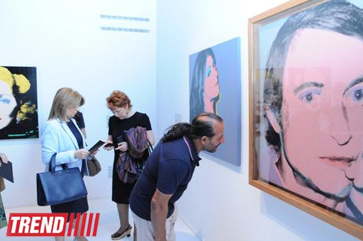 В Центре Гейдара Алиева открылась выставка работ известного американского художника Энди Уорхола (ФОТО)