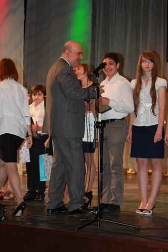 В Азербайджане прошла торжественная церемония награждения победителей Олимпиады по русскому языку и литературе (фото)
