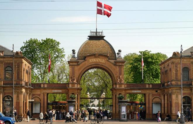 """Путешествие телеведущего Кямрана Гулиева по Европе:  """"Первый в мире Диснейленд"""" в Копенгагене (фото, часть 2)"""
