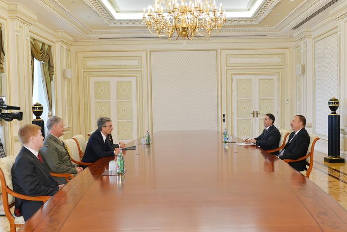 Президент Азербайджана принял первого замминистра обороны Великобритании
