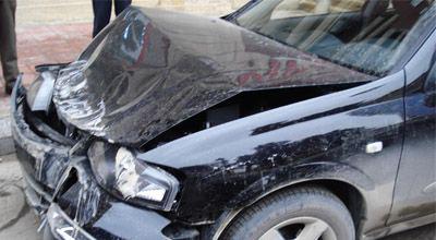 """Sürücü avtomobili aşmış """"Shacman""""a vurub: 1 ölü, 1 yaralı"""