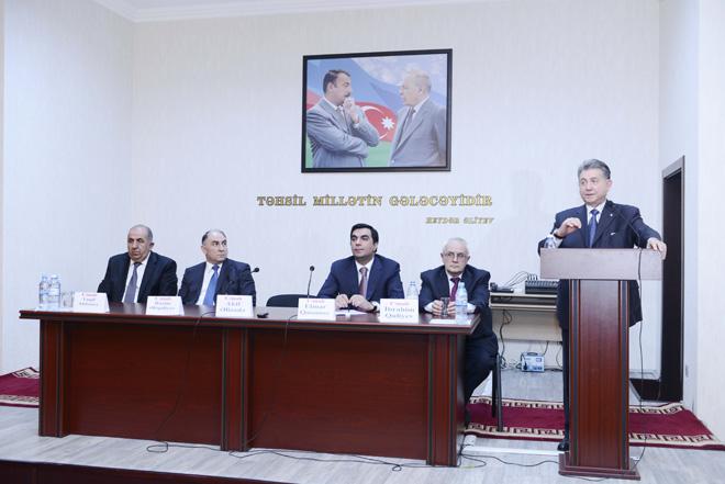 AMEA prezidenti Bakı Ali Neft Məktəbində olub (FOTO)