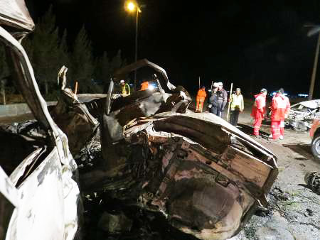 Some 14 people burned alive in four car crash in Iran (PHOTOS)