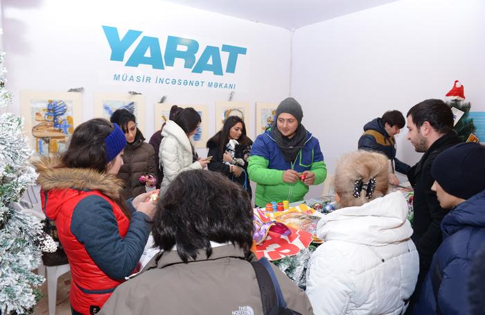 """Bakıda """"Nargis"""" jurnalının təşkilatçılığı ilə """"Soyuq əllər, isti ürək"""" adlı Yeni il xeyriyyə yarmarkası açılıb (FOTO)"""