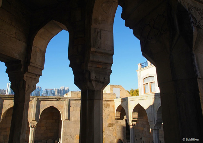 Famous travel blogger writes article about Shirvanshahs' Palace in Azerbaijan (PHOTO)