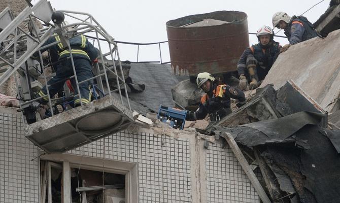 ElPais: вБарселоне в итоге взрывов газа пострадали неменее 20 человек