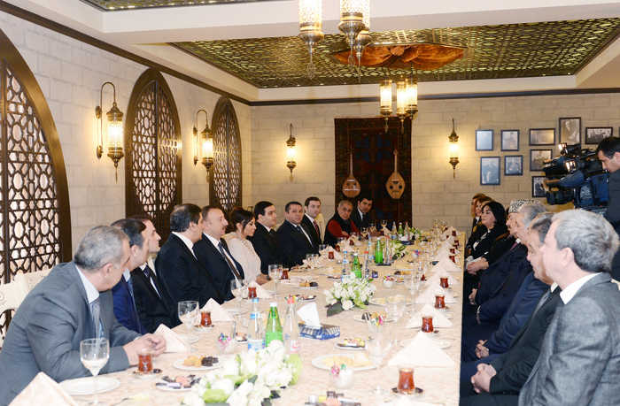 Президент Ильхам Алиев: Азербайджанское государство уделяет особое внимание развитию национальной музыки (версия 2) (ФОТО)