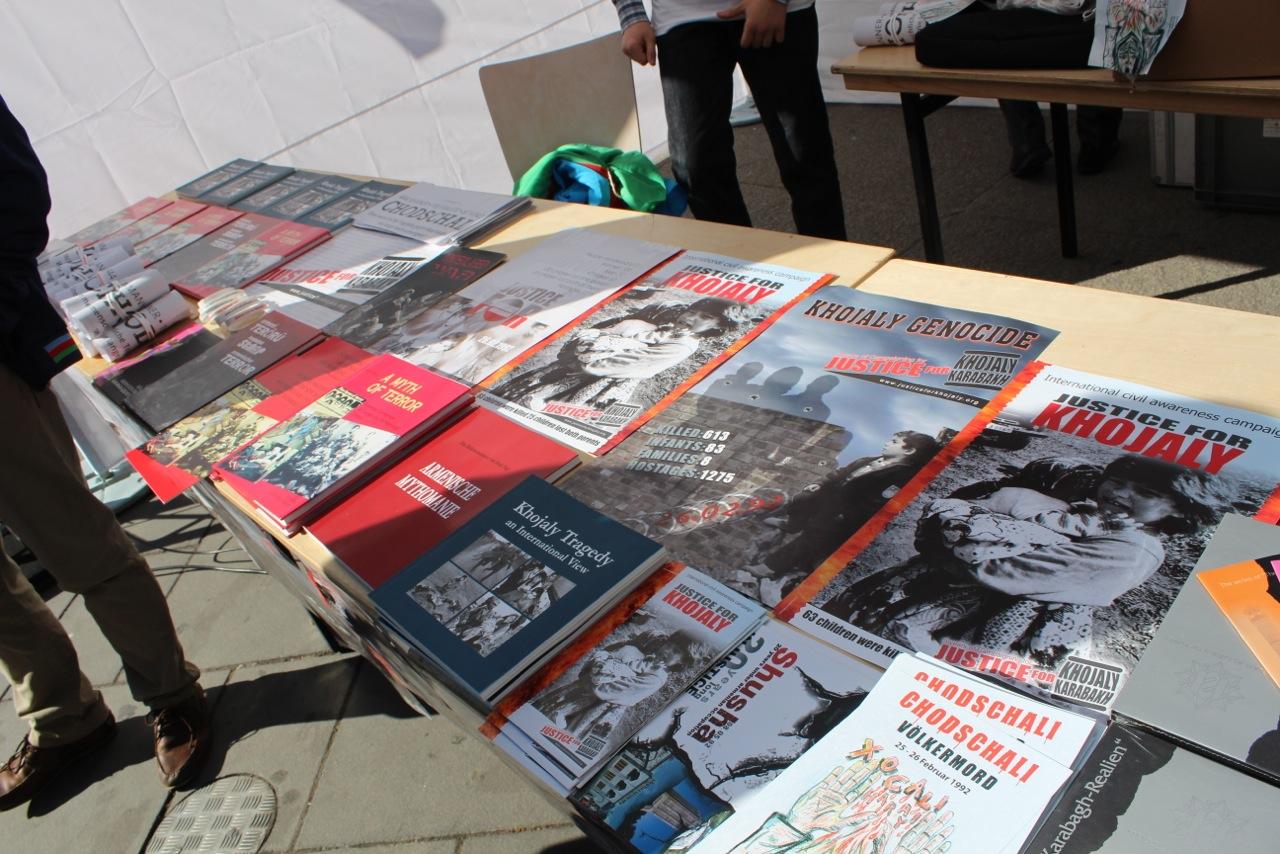 Xocalı soyqırımının ildönümü münasibətilə Avstriya parlamenti önündə və Vyananın mərkəzi meydanında aksiya keçirilib (FOTO)