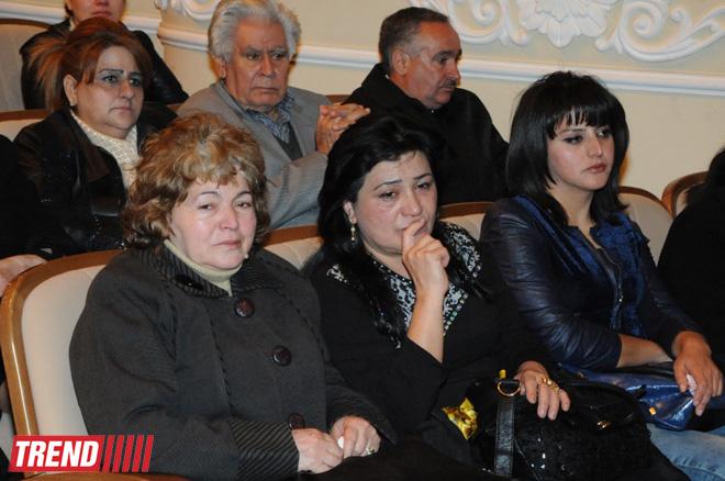 Xalq yazıçısı İsa Hüseynovla vida mərasimi keçirilib  (FOTO)