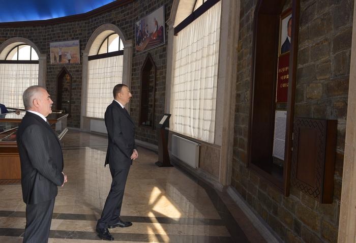 """Prezident İlham Əliyev """"Naxçıvanqala"""" Tarix-Memarlıq Muzey Kompleksi ilə tanış olub (FOTO)"""
