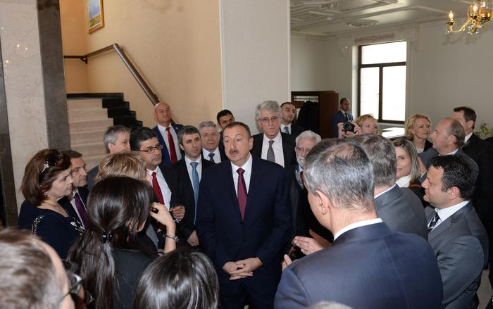 İlham Əliyev Naxçıvan Muxtar Respublikasının 90 illik yubileyinə həsr olunmuş mərasimdə iştirak edib (FOTO)
