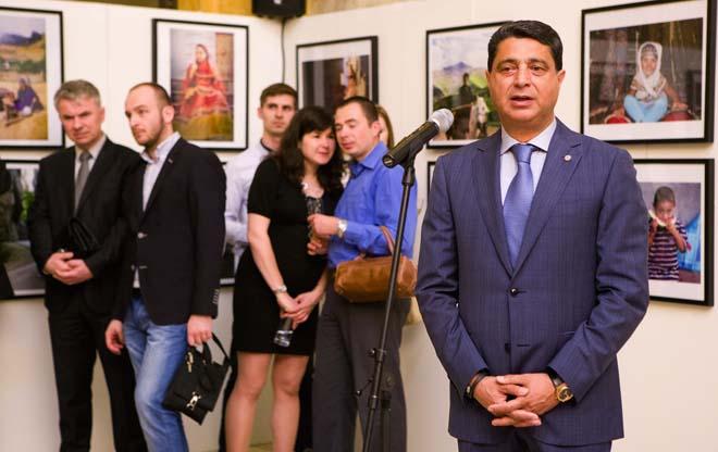 """Bratislavada """"Azərbaycan obyektivdə"""" adlı fotosərgi açılıb (FOTO)"""