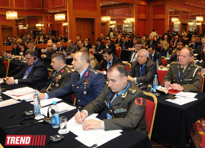 """Bakıda """"Sülh Naminə Tərəfdaşlıq proqramının 20 illiyi və NATO tərəfdaşlıqlarının gələcəyi"""" adlı konfrans keçirilir (FOTO)"""