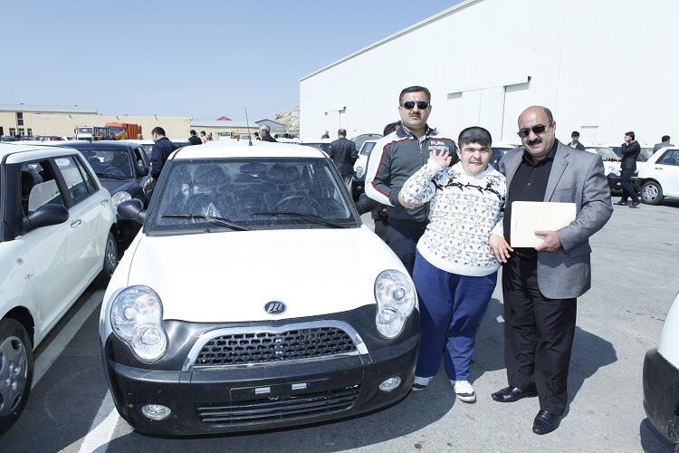 В Азербайджане число обеспеченных автомобилями инвалидов превысило четыре тысячи (ФОТО)