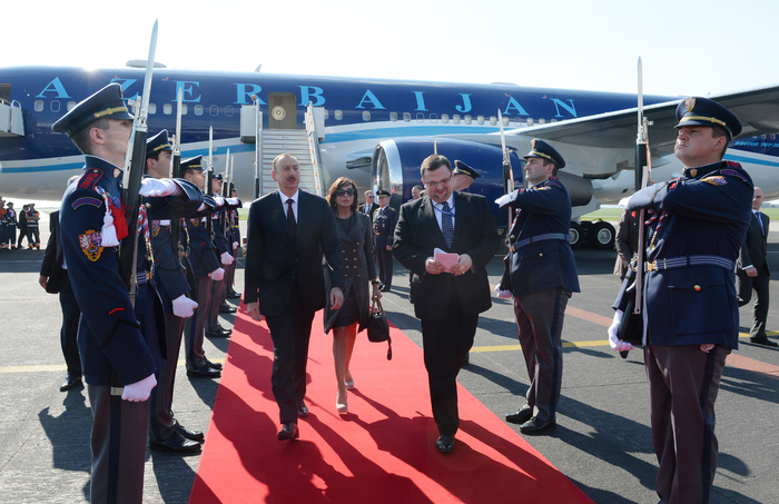 Prezident İlham Əliyev Çexiyaya işgüzar səfərə gəlib  (FOTO)