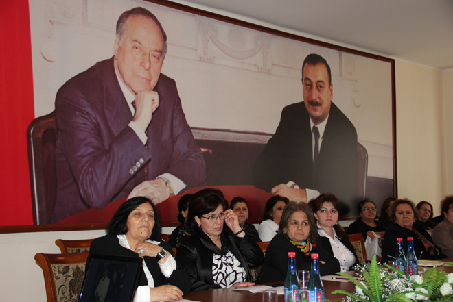 """Zərifə Əliyevanın 91 illiyinə həsr edilmiş """"dəyirmi masa"""" keçirilib (FOTO)"""