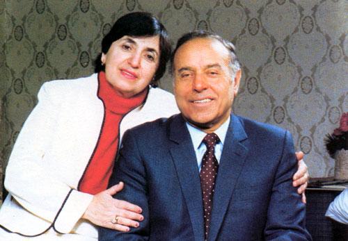 Bu gün görkəmli oftalmoloq alim, akademik Zərifə xanım Əliyevanın anadan olmasının 91-ci ildönümü tamam olur (FOTO)