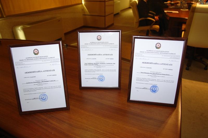 ƏƏSMN daha 3 qeyri-dövlət yardım mərkəzinə akkreditasiya attestatları təqdim edib (FOTO)
