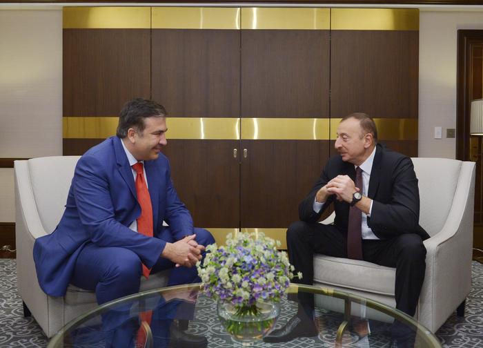 İlham Əliyev Ukrayna və Gürcüstanın keçmiş prezidentlərini qəbul edib