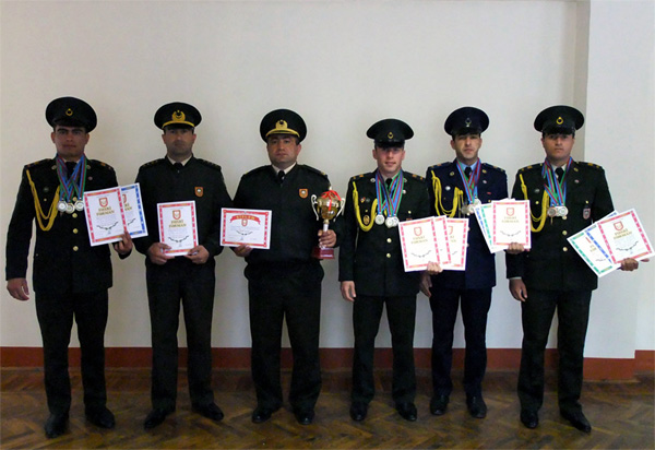 Azərbaycanda hərbi qulluqçular arasında pentatlon yarışları keçirilib (FOTO)