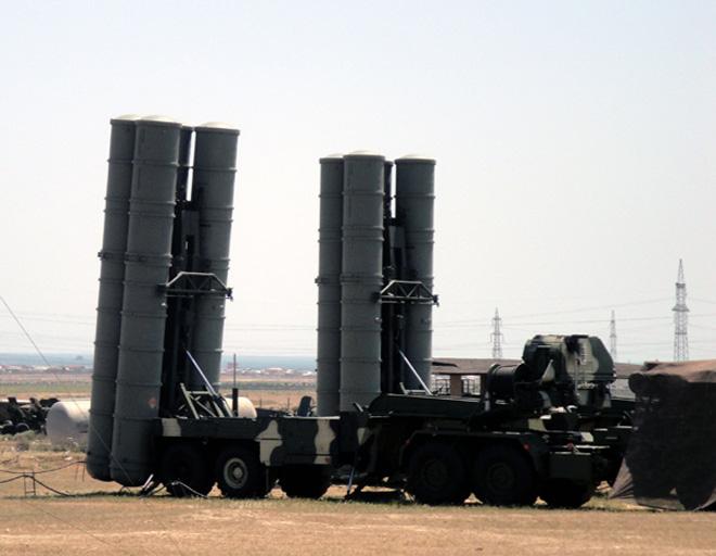 Azerbaijan conducts air defence drills (PHOTO)