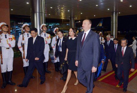 President Ilham Aliyev arrived in Vietnam on a state visit (PHOTO)