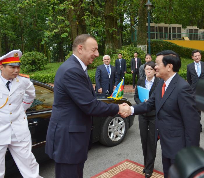 Vietnam hosts official welcoming ceremony for Azerbaijani President Ilham Aliyev (PHOTO)