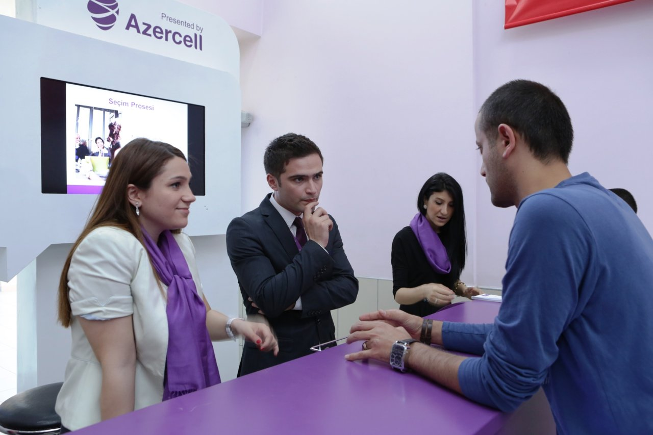 Azercell Telecom joins career fair (PHOTO)
