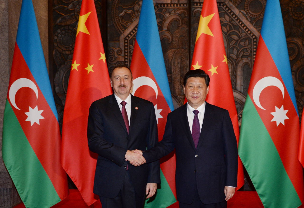Azerbaijani president meets with Chinese counterpart (PHOTO)