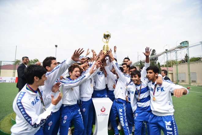 Winners of 2013/2014 season of Bakcell U-17 League announced (PHOTO)