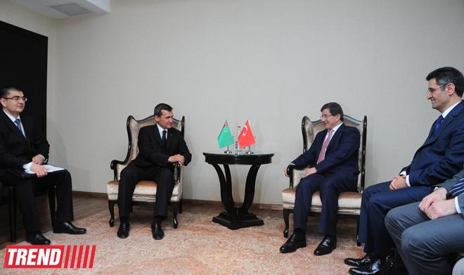 Turkish, Turkmen FMs discuss energy issues in Baku