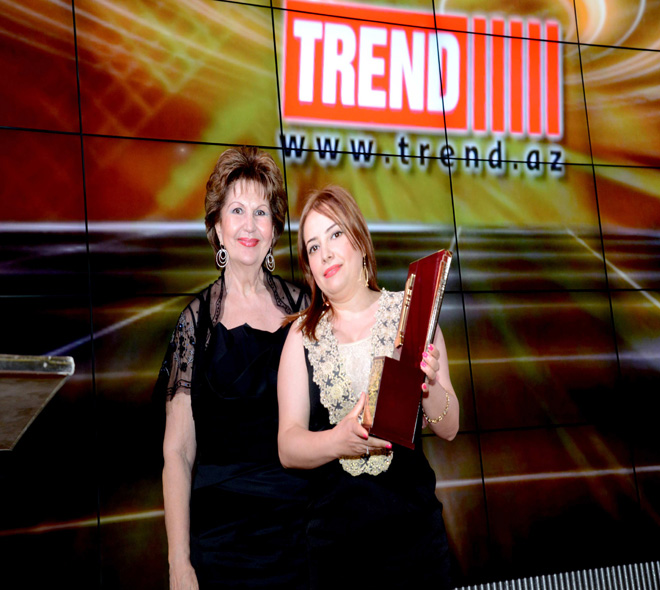 Trend news agency awarded with 'Ugur' national award (PHOTO)