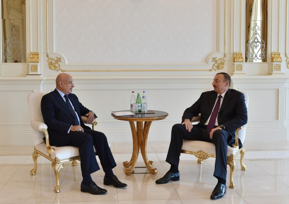 Президент Азербайджана принял генерального директора ИСЕСКО
