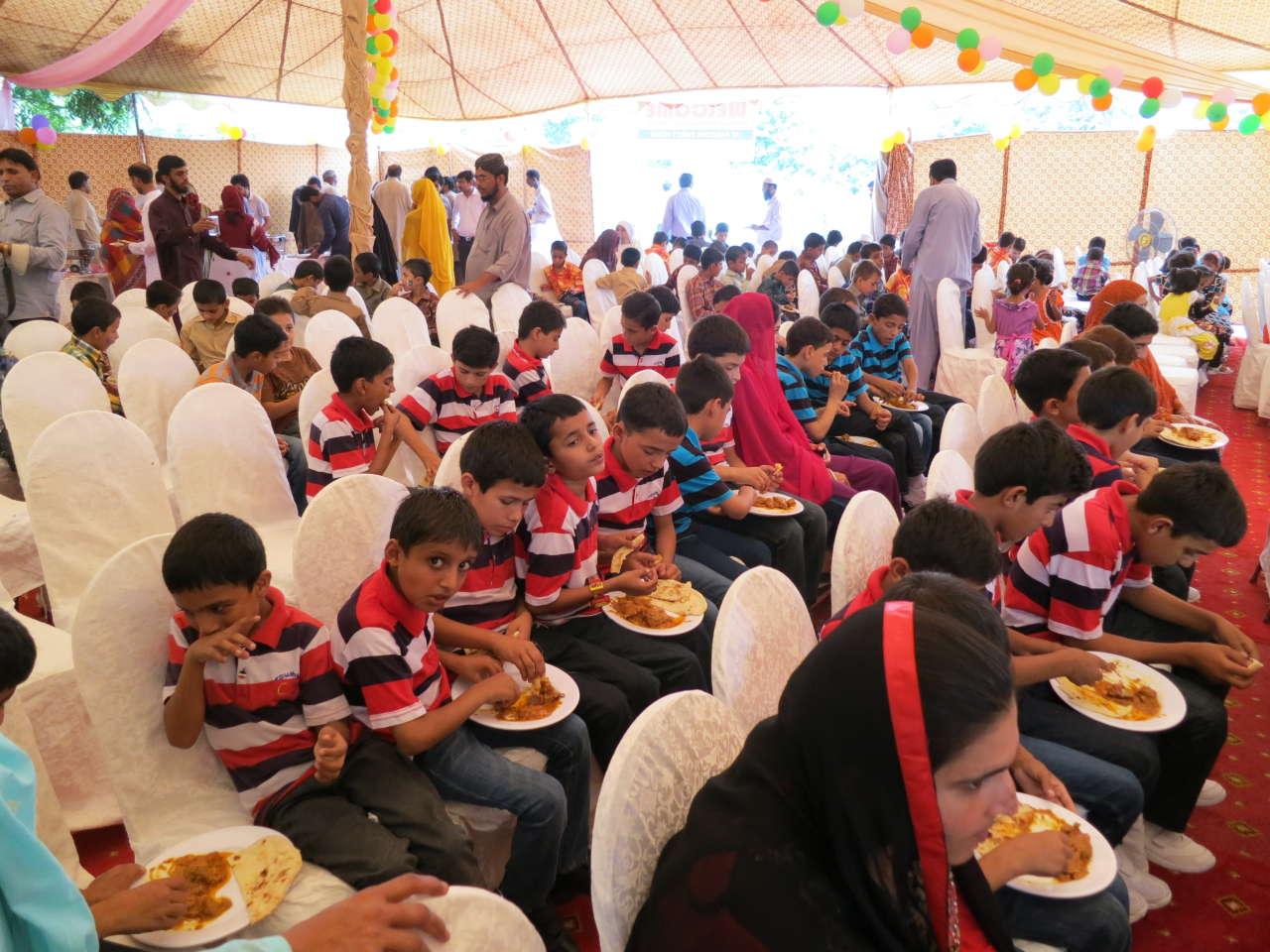 При поддержке Фонда Гейдара Алиева в Пакистане  проведено мероприятие по случаю праздника Гурбан   (ФОТО)