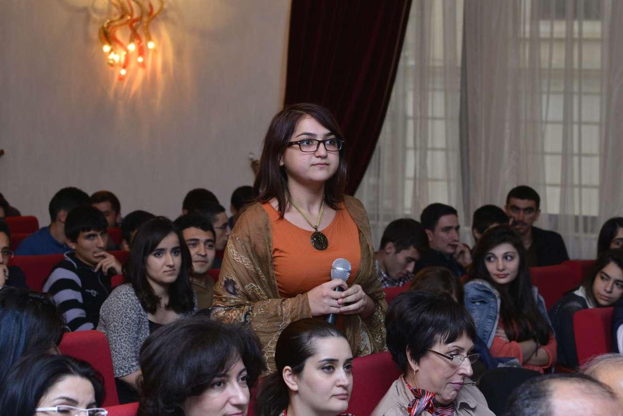 Лауреат Нобелевской премии посетил Бакинскую высшую школу нефти(ФОТО)