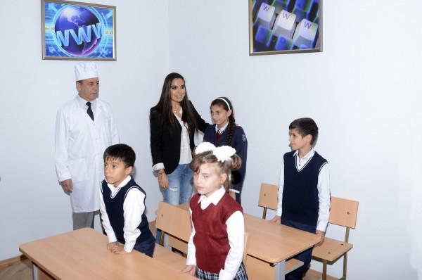 Фонд Гейдара Алиева преподнес подарки детям, проходящим лечение в соматическом санатории в Баку (ФОТО)