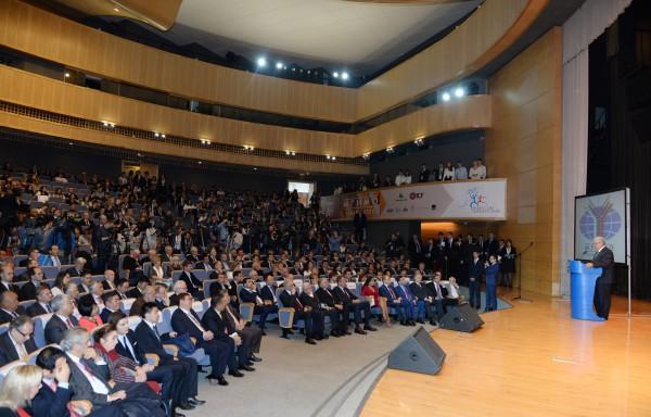 Вице-президент Фонда Гейдара Алиева Лейла Алиева приняла участие во II Международном форуме выпускников МГИМО (ФОТО)