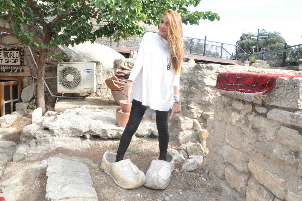 Модель Кенуль Азизова реализует проект в Ичери Шехер для турецкого телеканала (ФОТО)