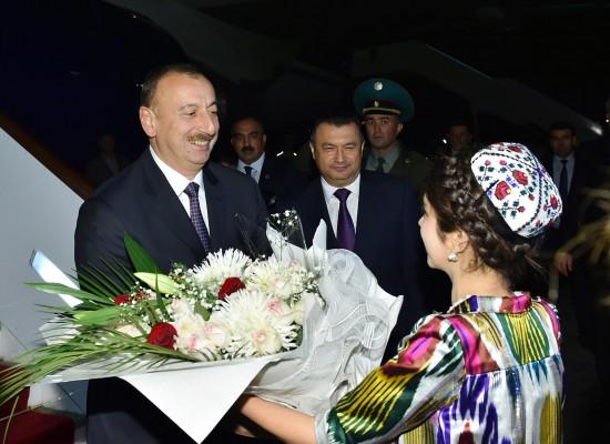 Президент Азербайджана Ильхам Алиев прибыл с официальным визитом в Таджикистан (ФОТО)