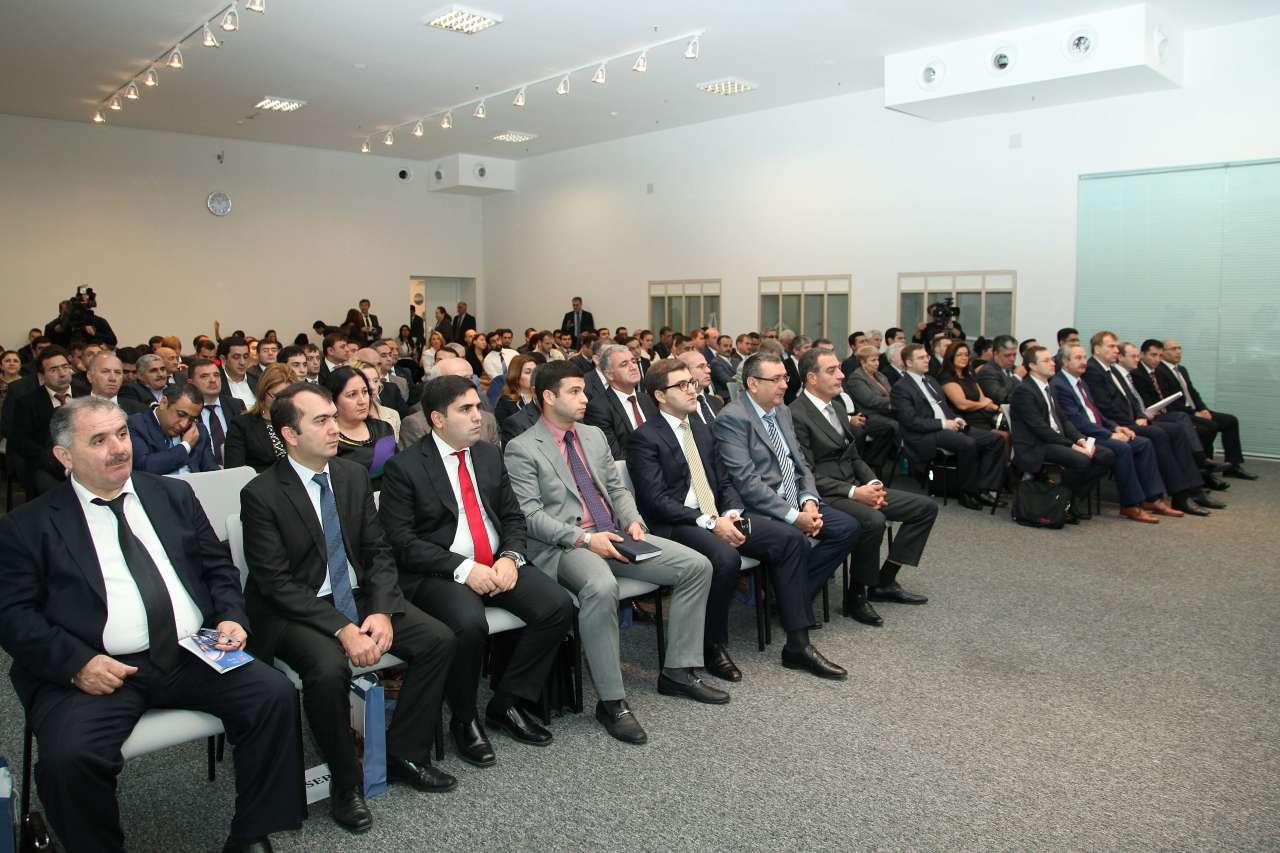 Азербайджано-российский бизнес-форум придаст новый импульс в развитии экономотношений между странами - замминистра (ФОТО)