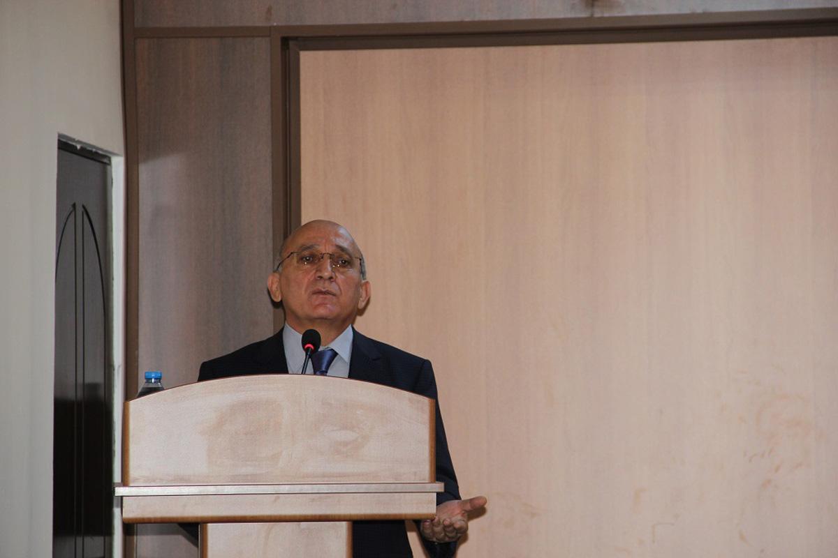 В Азербайджане существуют все условия для свободной деятельности религиозных общин - глава Госкомитета (ФОТО)