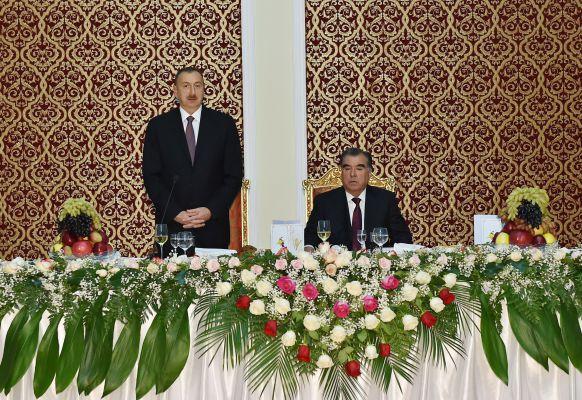 В честь Президента Азербайджана Ильхама Алиева устроен официальный прием (ФОТО)